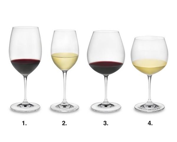 víno ve skleničkách